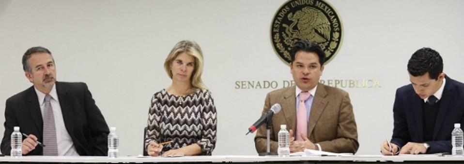Presentan organizaciones sociales y senadores Ley General de Obesidad
