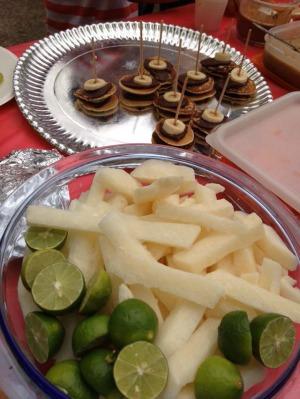 CR-4 jicama con chilito  limon y hotcakes de avena con chocolate y platano-3