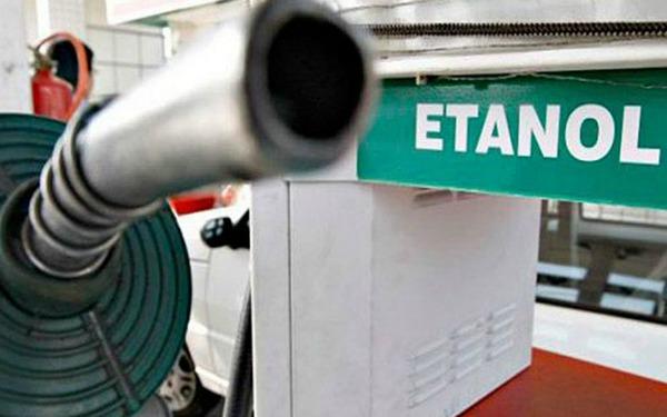 Bomba en estación de gasolina con etanol