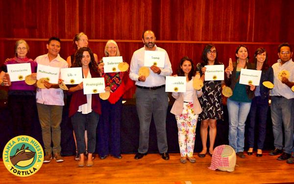 Integrantes de la Alianza por Nuestras Tortillas en su presentación pública