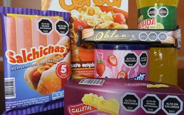 Productos procesados con etiquetado de advertencia usado en Chile que la industria no quiere