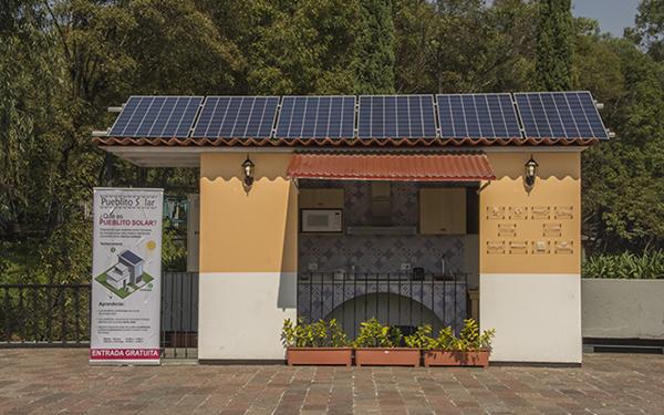 """Casita solar de """"El Pueblito Solar"""" en el Bosque de Chapultepec"""