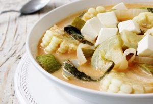 Plato de sopa de chilacayote