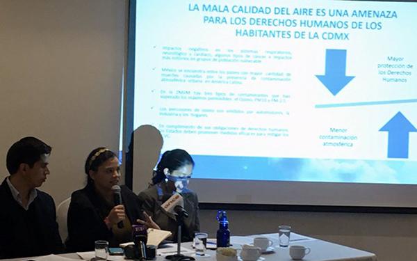 """Conferencia de prensa donde se presentó el posicionamiento de apoyo del Observatorio Ciudadano de la Calidad del Aire (OCCA) a los criterios de rendimiento vehicular para la obtención del holograma """"00"""""""