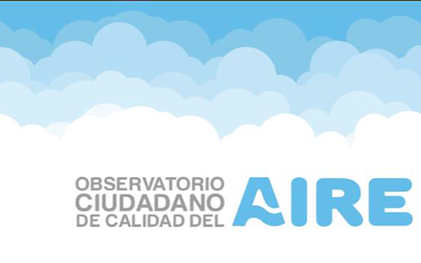 Leyenda Observatorio Ciudadano de Calidad del Aire (OCCA) entre nubes y un cielo limpio
