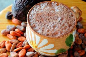 Chocolate con leche en jarro