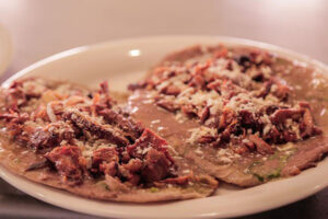 Huarache mexicano con bistec